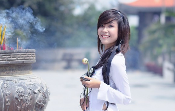 How to meet Asian women online